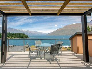 Peppers Waterfront Apartment 909, Queenstown