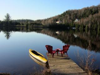 Swan Lake Hideaway-Lake House;1hr from Montreal,QC, Chertsey