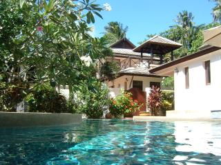 Banyan Pool Villa 1 - 4 Bedrooms - 8+ guests, Ko Samui