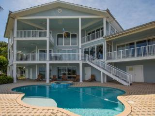Beachcomber's Luxury Home - 5 Bdrs - Private Pool, Clearwater
