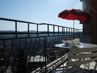 best views Veliko Tarnovo - 2-bedrooms, sleeps 6