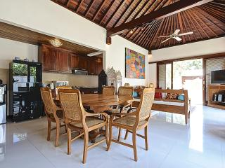 DINING LOUNGE ROOM IN QUIET AND PEACEFUL 3 BEDROOM VILLA