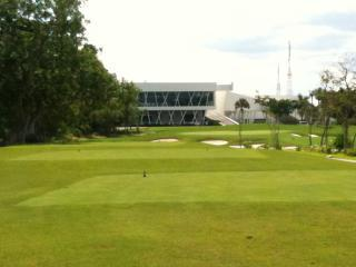 18th Hole View to Club House Restaurant