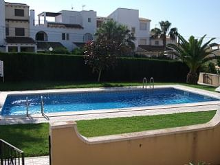 A Roomy, Well Appointed, 2 Bedroom Holiday Apartment. Close To Beaches & Three Superbly Appointed  Golf Courses, Orihuela
