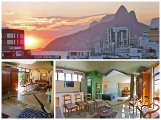 Charming Penthhouse Near Ipanema Beach