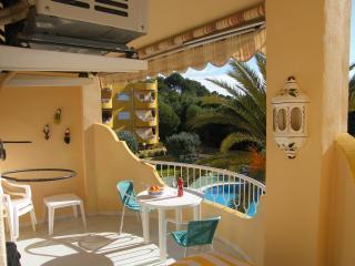Front line apartment in small village Costa Blanca, Campello
