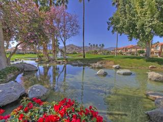2 Bedroom upgraded Condo with a great view of the Golf Course, La Quinta