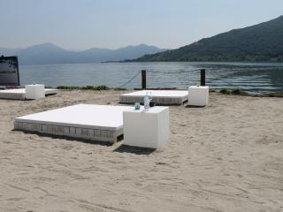 Iseo Lake apartment per 8/10 person with garden