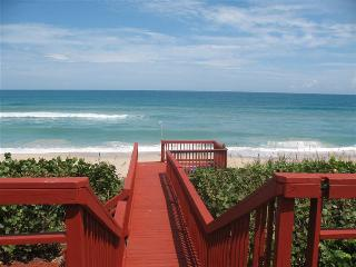 GOLDEN SANDS RUBY - Luxury Beachfront, Private Beach, Stunning Ocean Views, Cocoa Beach