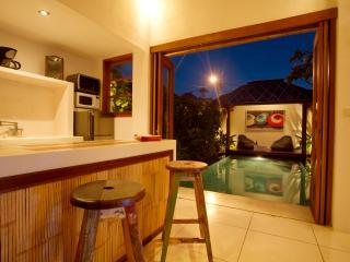 Private Villa with tropical garden + pool Seminyak