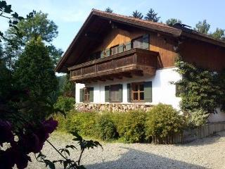 LLAG Luxury Vacation Apartment in Edling - 700 sqft, spacious, comfortably furnished, ideal (# 4187), Nüdlingen