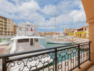 AVA... 2BR at Porto Cupecoy with fabulous marina view, St. Martin
