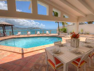 La Vista Grande at Beacon Hill, Saint Maarten- Ocean View & Pool, Walk to the Be