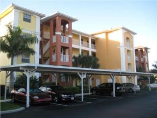 Naples Florida 2bd/2bth Condo with Golf and Views!!, Nápoles