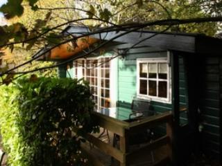 Robin Hill Self-Catering Cabin, Cobh