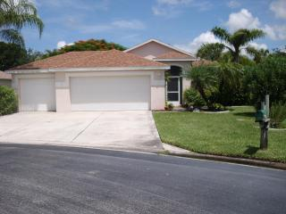 Beautiful pool home on cull de sac with fenced side yard for pets, Fort Myers