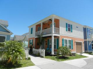 Beautiful new home in Sailhouse with pool and bay views!, Rockport