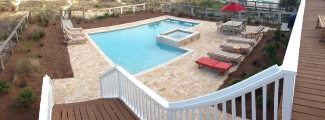 Large Furnished Pool Deck