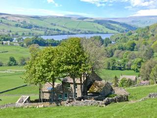 WICKWOODS, WiFi, woodburner, ground floor bedroom and bathroom, North Yorkshire Ref. 25703, Pateley Bridge