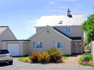RANFORD, detached, close to beach, off road parking, front and rear gardens, in Rhosneigr, Ref. 25867