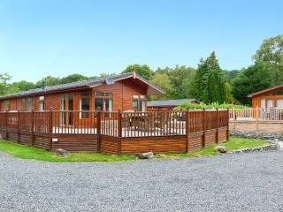 LAKEVIEW 6 private hot tub, on-site pool and gym, family-friendly in Troutbeck Bridge Ref 28903