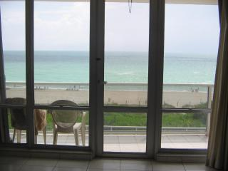 Oceanfront Deluxe Apartment