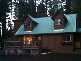 Lake Almanor View - Patriotic Cabin, Lake Almanor Peninsula