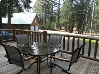 Patriotic Cabin with Lake Almanor View