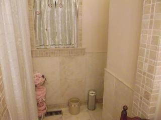 Large ensuite bath
