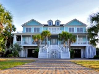 Deluxe 10 bd, 10ba Ocean Front Home with Pool!, Isle of Palms