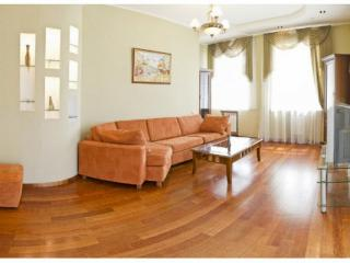 CR101bKIEV - 1-Bedroom Apartment near National Opera, Kiev
