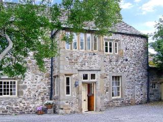 UNTHANK HALL, Grade II* listed, woodburner, parking, dog-friendly, one acre walled paddock, in Stanhope, Ref 21851