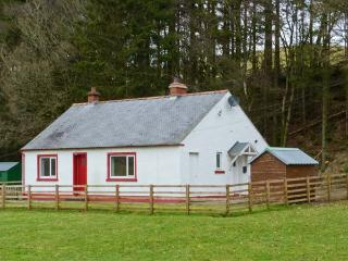 CLERKHILL, family-friendly, beautiful scenery, woodburning stove, in Eskdalemuir, near Langholm Ref. 22615