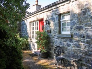 KNOX COTTAGE, single-storey, open fire, off road parking, lawned garden, in Lorrha near Portumna, Ref. 27084