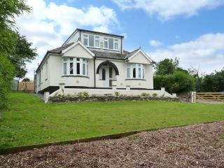 TRELYDARTH family-friendly, two sitting rooms, peaceful surroundings in Penhallow Ref 28258