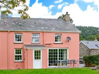 PEN Y BRYN family-friendly, detached cottage with hot tub in Devil's Bridge Ref