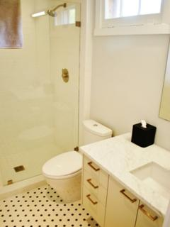 upstairs ensuite bath with full shower