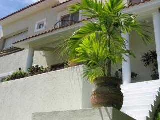 Spacious 3 bedroom home, located in Sector O!, Huatulco