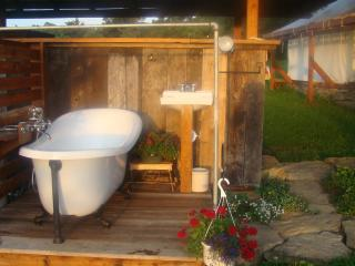 Few activities in life are more relaxing then a soak in a clawfoot tub - enjoy the view!