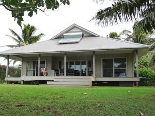 Seaspray Beach Villa  -Rarotonga beachfront home