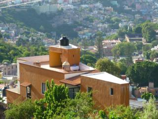 NEW BIG FULLY EQUIPPED APARTMENT, Guanajuato