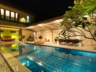 Bali Villa Close to Beach, Shops & Restaurants