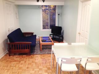 Freesia Flat - 2 Beds, 1 Bath, Montreal