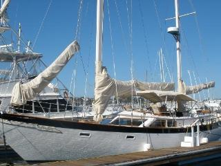BOAT AND BREAKFAST - SLIPAWAY - SAILING KETCH, San Diego