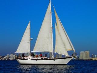 """Boat, Bed and Breakfast - """"Slipaway"""" Classic Yacht, San Diego"""