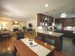 Menlo Park Exec Retreat, 4Bd/2b + Dettached Office