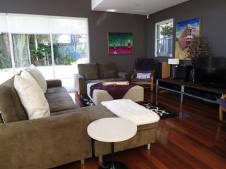 Large, gorgeous designer home....., Sydney