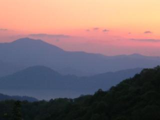 Gorgeous Mountain Views!, Waynesville