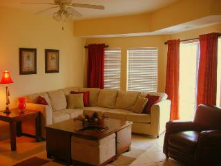 6BR.... Elegant Ocean Villa...close to BEACH!!, North Myrtle Beach