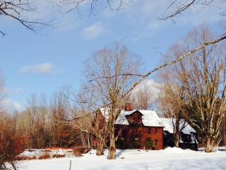 Gile Road - Large, Family Farm House - a perfect place to enjoy the beauty of New Hampshire